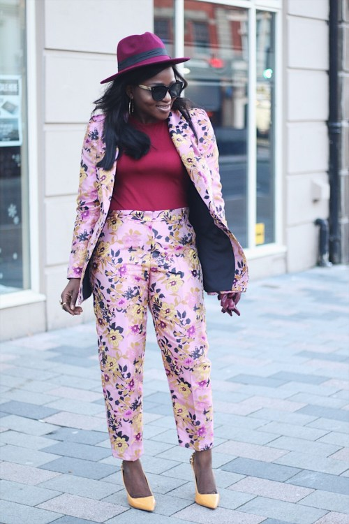 floral suit ,styleblogger ,how to style floral suit , burgundy ,hats fashion ,river island floral suit