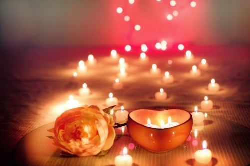 candle lit dinners,valentine date ideas for couples