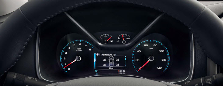 Image of the dashboard and speedometer in the 2017 GMC Canyon small pickup truck.