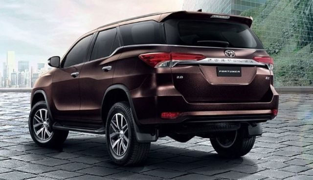 2018 Toyota Fortuner rear