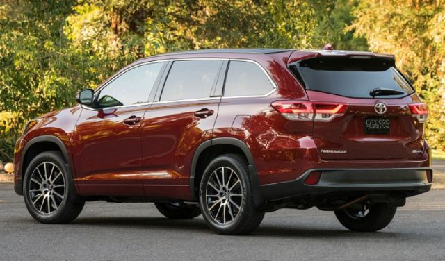2018 Toyota Highlander rear