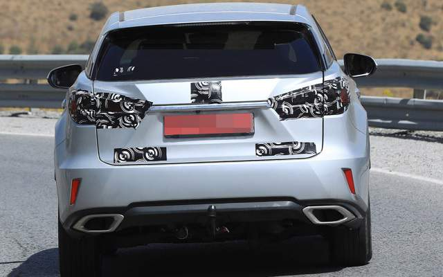 2019 Lexus RX 350 redesign spy shot 3