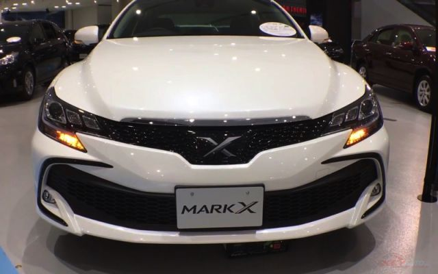 2018 Toyota Mark X front