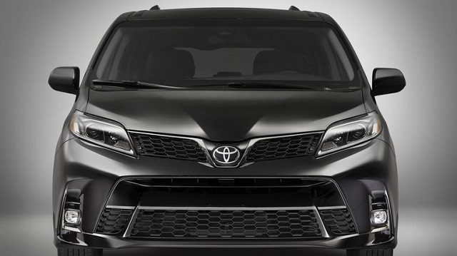 2018 Toyota Sienna front view