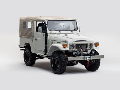 Toyota Land Cruiser FJ40 Restored For SEMA front view