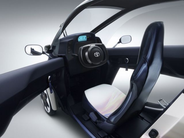 Toyota i Road interior