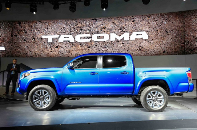 2020 toyota tacoma side view