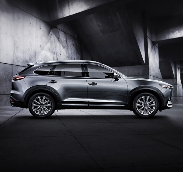 2018 Mazda CX-9 7-Passenger SUV side view