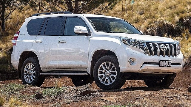 2020 toyota land cruiser side view