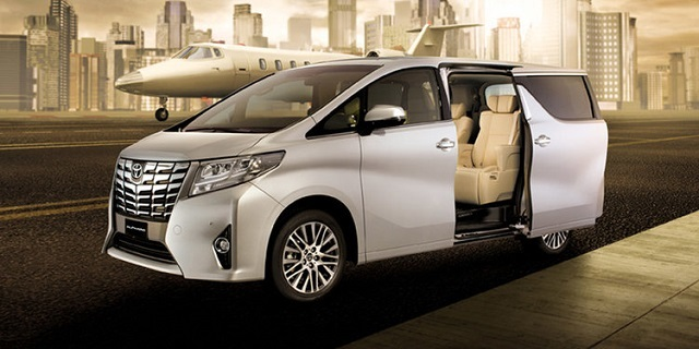 2019 Toyota Alphard front view