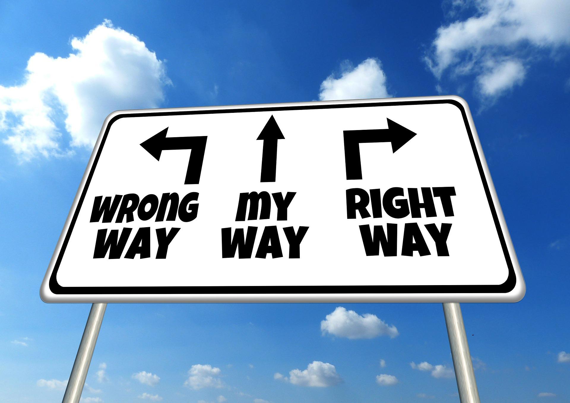 direction course way dirección vía camino direzione flechas arrow freccia indicator