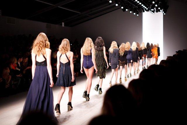 desfile model modelos moda sfilata parade