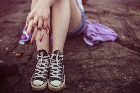 LA INERCIA EN LA ADOLESCENCIA 17 AÑOS: LA EDAD DEL TERROR joven chica