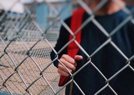 L' INERZIA DEGLI ADOLESCENTI 17 ANNI: L' ETÀ DEL TERRORE