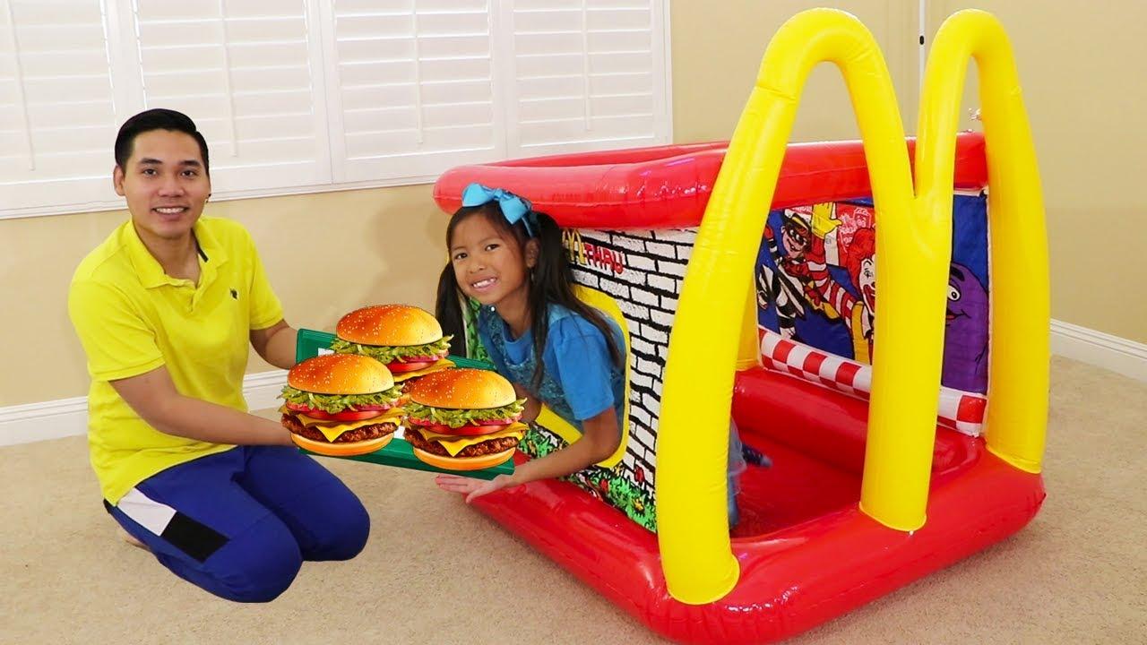 Wendy Pretend Play w McDonalds Inflatable Restaurant Drive Thru Food Toy - Wendy Pretend Play w/ McDonald's Inflatable Restaurant Drive Thru Food Toy