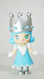 Pop Mart Kennyswork MOLLY CHESS CLUB CHECKMATE QUEEN BLUE 01