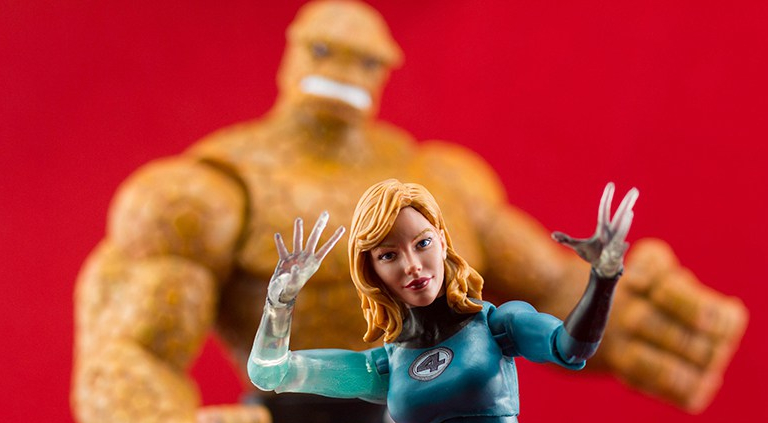 Marvel Legends Invisible Woman