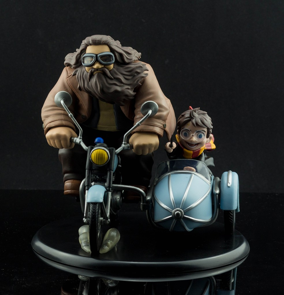 QFig Harry Potter and Rubeus Hagrid