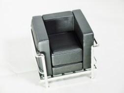 1-12-reina-design-interior-collection-designers-chairs-vol-1-no-6-le-corbusier-1928-lc2-armchair-blk-02