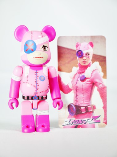 medicom-bearbrick-s27-cute-nuigulumar-z-gothic-lolita-battle-bear-nuigulumar-secret-item-08