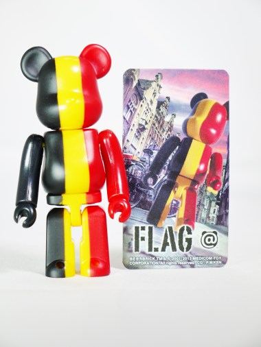medicom-bearbrick-s27-flag-country-belgium-08