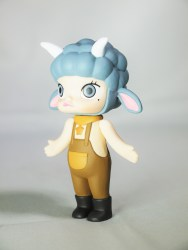 pop-mart-little-molly-zodiac-capricorn-03
