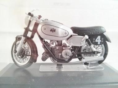 italeri-protar-world_champ_col-500cc_motogp-ajs-e90-1949-02