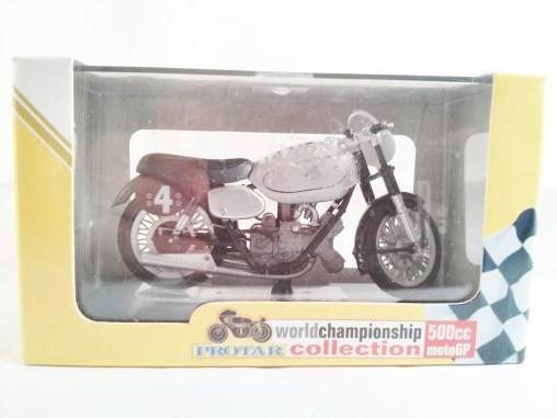 italeri-protar-world_champ_col-500cc_motogp-ajs-e90-1949-04