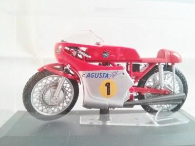italeri-protar-world_champ_col-500cc_motogp-mv_agusta-3cil-1967-03