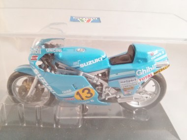 italeri-protar-world_champ_col-500cc_motogp-suzuki-rg-r500-1982-04
