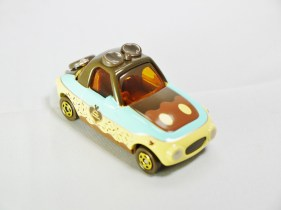 tomica-disney-motors-happy_valentine_day-2016-deform_car-cholocate_sweet-04