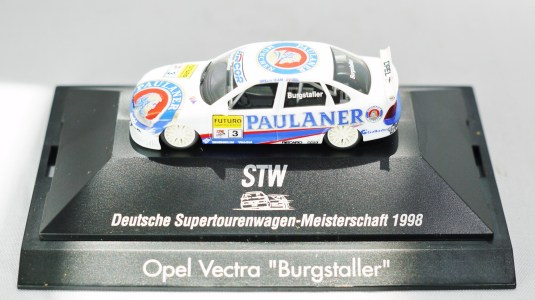 Herpa GmbH - 1-87 Motorsport Collection STW Deutsche Supertourenwagon-Meisterschaft 1998 - Opel Vectra Burgstaller - No. 3 - 02
