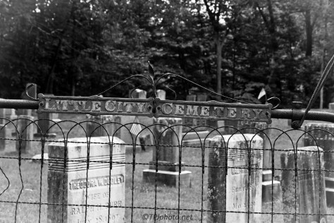 Local Cemetery Connecticut - Click To Enlarge