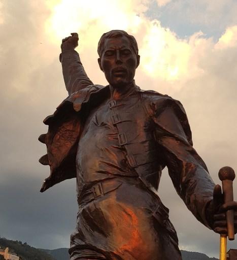 Freddy Mercury escultura