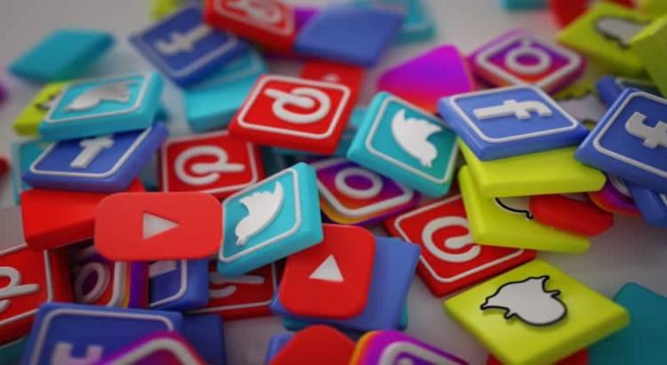 Encontrar trabajo por medio de las redes sociales facebook linkedin