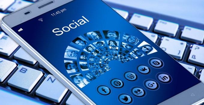 buscar empleo por medio de las redes sociales