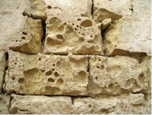 Efeito da chuva ácida sobre construção