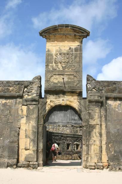 A construção original, de taipa feita pelos holandeses em 1631, foi demolida. Em 1654, o Forte Orange, na cidade de Itamaracá (PE), foi reconstruído pelos portugueses para proteger a vizinha Igarassu. Hoje em dia tem até loja de artesanato