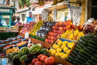O dia do feirante é celebrado no Brasil em 25 de agosto