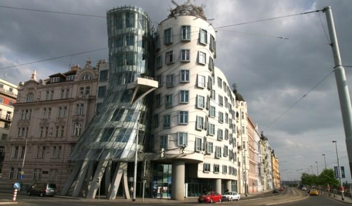 statuary architecture