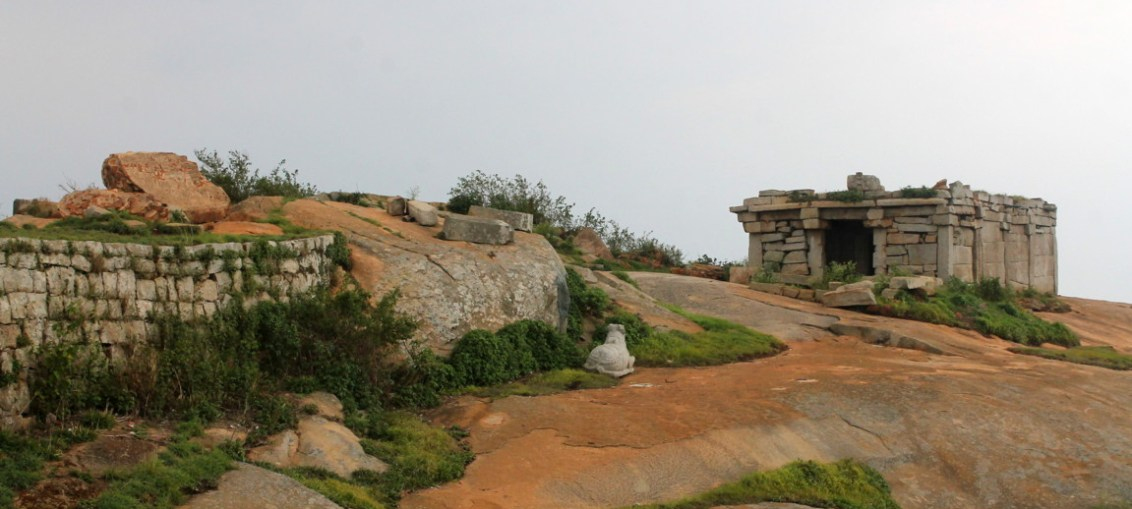 Temple and Nandi statue at the top
