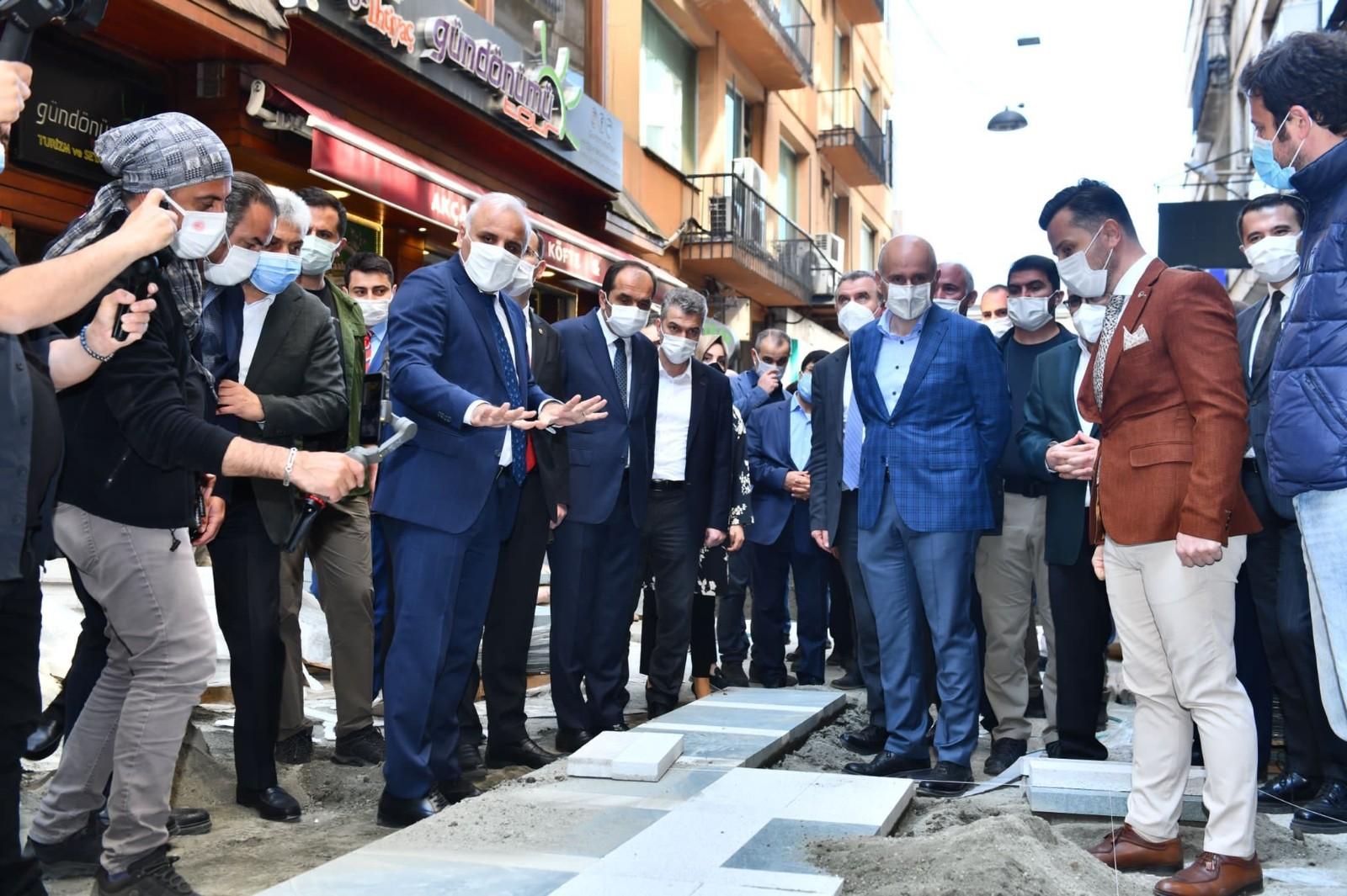 Bakan Adil Karaismailoğlu Trabzon'daki alt yapı çalışmalarını yerinde inceledi