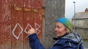 Documentation of 'Trace drawing' Inguz, Othila, Berkana in Nólsoy, photograph by Martin Drury 2016