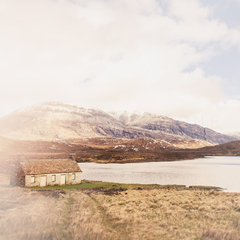 Photograph of a shack in the Scottish Highlands by Tracey Capone