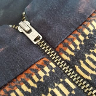 Replace zip to give new life to your old clothes