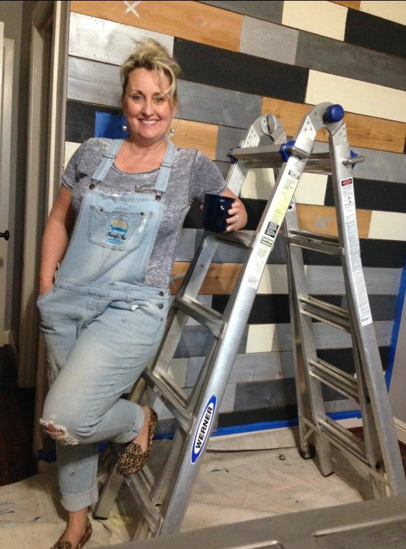 Tracey's Metallic Wood Plank Wall