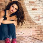 Selena Gomez divulga prévias de faixas e deixa fãs ansiosos por novo álbum