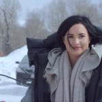 "Demi Lovato divulga nova prévia do videoclipe de ""Stone Cold"""