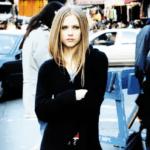 """""""Let Go"""", álbum de estreia de Avril Lavigne, completa 14 anos de lançamento"""