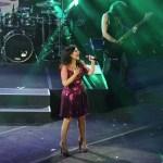 Laura Pausini dá banho de simpatia nos cariocas
